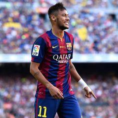 Neymar Beats Joao Miranda and Willian to Brazil's Samba Gold Award - January 2nd, 2015