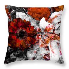 Daisy Throw pillow By Shauna De Bella