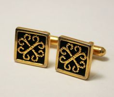 Black and gold cuff links. Vintage by chicvintageboutique on Etsy