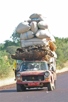 Transport in Mali Out Of Africa, West Africa, South Africa, Senegal Dakar, Auto Peugeot, African Life, Afrique Art, Historical Photos, Kenya