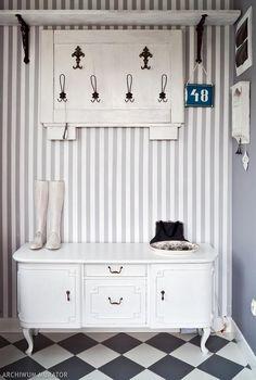 Black & white hallway - I realy like it! Czarno-biały przedpokój - bardzo klimatyczy!
