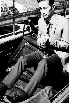 Joseph Gordon Levitt. Totes love him! Espesh after 500 Days of Summer!!!!