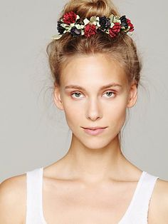Floral bun crowns! Perfect way to dress up a topknot or just to feel like a fairy princess (wings not included). Thank you Free People!
