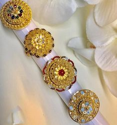 Latest Designs of Gold Rings for Women - FashionShala Gold Ring Designs, Gold Jewellery Design, Beautiful Flower Designs, Gold Rings Jewelry, Big Rings, Necklace Designs, Wedding Jewelry, Jewelry Collection, English Grammar