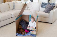 Créer une maison en carton Les enfants adorent jouer dans des boîtes en carton. Vous pouvez créer cette maison en carton pliable en un rien de temps.