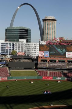 The St. Louis Cardinals work out before Game 4 of baseball's World Series against the Boston Red Sox Sunday, Oct. 27, 2013, in St. Louis. (AP Photo/Charlie Riedel)