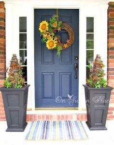 déco chaleureuse d'automne pour la porte