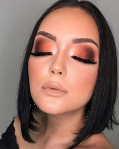 These bronze makeup looks are incredibly beautiful and scream summer like no other. Gather ideas on how to introduce some stunning bronze makeup looks to your makeup routine now. Make Makeup, Girls Makeup, Glam Makeup, Skin Makeup, Eyeshadow Makeup, Fox Makeup, Witch Makeup, Clown Makeup, Scary Makeup