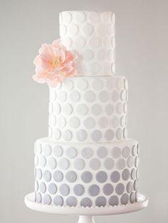Tort weselny w groszki