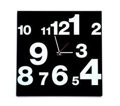 IT 508 - CLOCK NUMBERS LINE  50×50 cm  Design: Leonardo Roverato