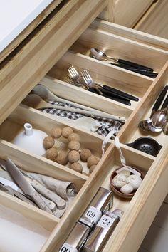 Dette hjemmet er en tidløs ode til naturen Kristiansand, Bespoke Kitchens, Pantry Organization, Kitchen Decor, Design, Organize, Pantry Storage