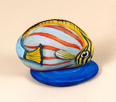 Tropical fish hand painted rock by Livingrocks on Etsy, €22.00