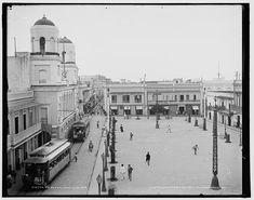 plaza de armas with trolley