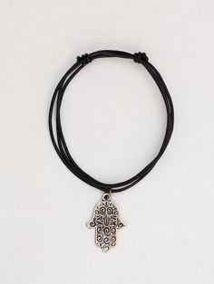 this would be cute with the 90's chocker