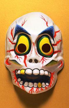 scared skull -- vintage retro plastic Halloween mask