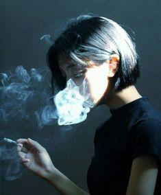 kat irlin self portrait Photo Portrait, Portrait Photography, Smoke Photography, Portrait Ideas, Trendy Mood, Trendy Hair, Foto Art, Foto Pose, Girl Smoking
