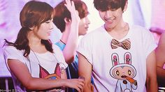Baekhyun and Taeyeon Are Dating And I'm A Unicorn Taeyeon Tumblr, Taeyeon Gif, Snsd, Baekhyun, Park Chanyeol, Kpop Couples, Cute Couples, Kai, King Of My Heart