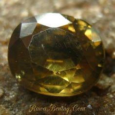 Batu Permata Elegant Brownish Yellow Zircon Oval 2.29 carat