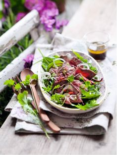 Salade de boeuf façon thaïe Thai Recipes, Cooking Recipes, Seaweed Salad, Soul Food, Entrees, Spinach, Food Photography, Cabbage, Salads