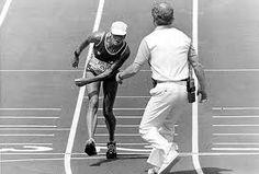 VENCEDORA, Gabrielle Andersen não venceu nenhuma competição importante internacionalmente,não conquistou nenhuma medalha olímpica,tampouco é um nome vencedor do esporte suíço.Mas o status de heroína aparece devido ao esforço e espírito esportivo.Quase desmaiando,mas fazendo questão de terminar a maratona, no estádio olímpico de Los Angeles, em 1984,sendo amparada por médicos na linha de chegada.O fato é considerado, até hoje, um dos maiores exemplos de perseverança, garra e espírito…