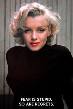Hello and Welcome to the Marilyn Monroe Fan Site. Take a peek through the fine collection of Marilyn Monroe videos, photographs and gifs. Marilyn Monroe Stil, Fotos Marilyn Monroe, Hollywood Stars, Old Hollywood, Classic Hollywood, Maquillage Marilyn Monroe, Moda Popular, Blonde Moments, Hugh Hefner
