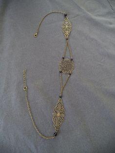 Headband bijou de tête bronze avec estampes bronze et perles noires : Autres bijoux par plumecreative