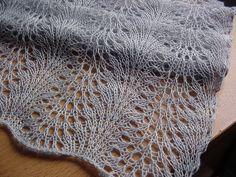 Feather & Fan Short Scarf by _firefly_, via Flickr FREE pattern