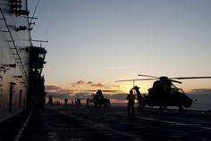 Exercice de l'aviation légère de l'armée de Terre avec la Marine nationale.