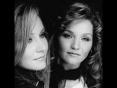 Loretta Lynn Biography   The Lynns   Artist Biography, Music Videos, News, Photos   Tr3s  - Patsy and Peggy Lynn -- Lorretta's twins.