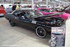 Muscle Car Spotlight: 1971 Plymouth Cuda HEMI Resto Mod 426