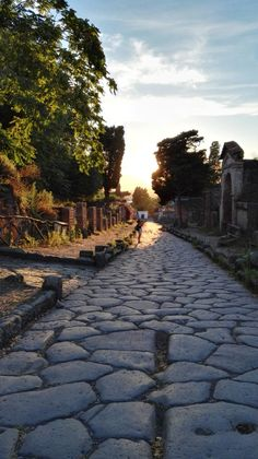 Pompei. Travelling in Italy. July 2016. Old city. Alone.