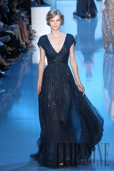 Elie Saab - Couture - Fall-winter 2011-2012 - http://www.flip-zone.net/fashion/couture-1/fashion-houses/elie-saab-2282