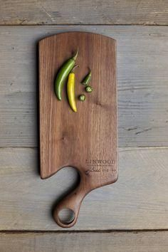 Personalized #wooden cutting board. A #unique addition to your #kitchen #accessory collection #GetSplinterd #Innovationdriven #Woodproducts Splinterd's photo.