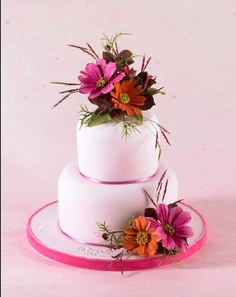 I will be teaching an evening - mini class at Warwickshire branch of next Wednesday September - The menu - Cosmos… Floral Wedding Cakes, Floral Cake, Cake Icing, Cupcake Cakes, Sugar Paste Flowers, Ice Cake, Flower Spray, Sugar Art, Sweet Cakes