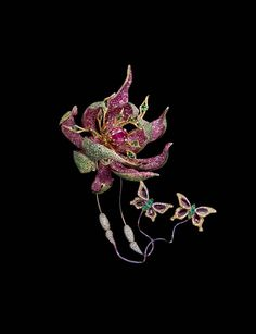 Wallace Chan Fleur de la Dynastie Tang brooch with rubies, yellow diamonds, pink sapphires, tsavorites, garnets, emeralds and diamonds