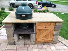 stone table complete - Big Green Egg - EGGhead Forum - The Ultimate Cooking Experience. Big Green Egg Grill, Big Green Egg Outdoor Kitchen, Big Green Egg Table, Outdoor Kitchen Patio, Outdoor Kitchen Countertops, Green Eggs, Outdoor Living, Outdoor Kitchens, Grill Table