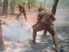 You think you're cool, but you ain't South African troops slaying commies during the Border War cool! Airborne Army, Airborne Ranger, Military Archives, Army Day, Vietnam War Photos, War Dogs, Troops, Soldiers, Modern Warfare