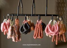 Tiny Ter Miniatures: Miniature drying sausage on hanging rack. Tiny Food, Fake Food, Miniature Crafts, Miniature Food, Chorizo, Carnicerias Ideas, Dolls House Shop, How To Make Sausage, Making Sausage