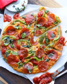 Pizza for breakfast?! Sign me up! This Italian Pepperoni Pizza Frittata is Whole30, Gluten Free AND Low Carb/Keto. It comes together in less than 20 minutes total, making this recipe awesome for busy weekdays. And it's not just for breakfast -- we love to make this recipe for lunch and dinner, too! #cookathomemom #lowcarb #eggs Best Meal Prep, Healthy Meal Prep, Healthy Dinners, Lunch Recipes, Breakfast Recipes, Paleo Breakfast, Sweet Potato Smoothie, Asparagus Frittata, Chorizo And Potato