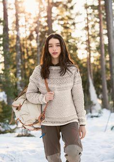 Tussa E-post :: NORSK STRIKK - Den Norske Turistforening - jubileumskolleksjon🏔 Turtle Neck, Beige, Mini, Sweaters, Fashion, Moda, Fashion Styles, Sweater, Fashion Illustrations