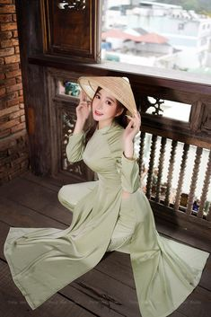 Ao Dai, Thirty Two, Asia Girl, Traditional Outfits, Sexy Dresses, Asian Beauty, Womens Fashion, Color, Clothes