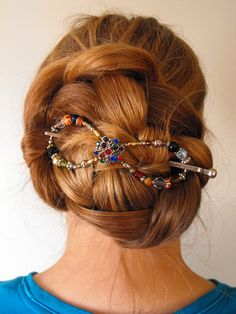 Style: Braided bun---Used: XL Flexi clip---This has been in 8 hours before this picture was taken
