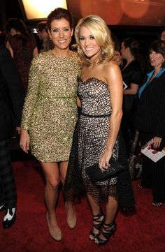 Kate Walsh and Carrie Underwood Photos - People's Choice Awards 2010 - Red Carpet - Zimbio