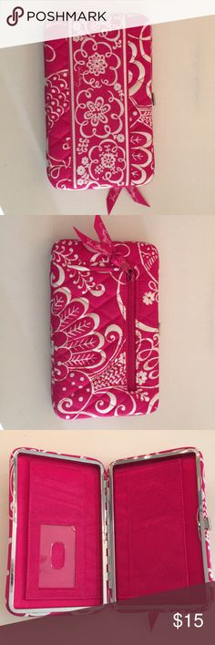 Vera Bradley Clutch Never used, perfect condition, spacious clutch Vera Bradley Bags Clutches & Wristlets
