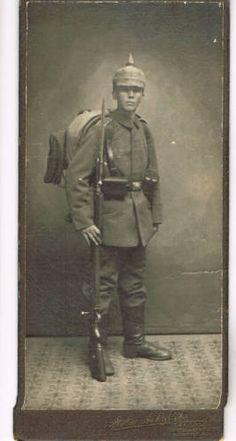 WWI-Photo-No-320-KAB-spike-helmet-rifle