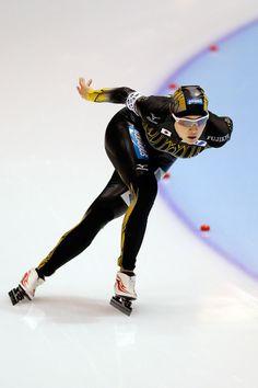 Ayaka Kikuchi Photos - Ayaka Kikuchi of Japan competes in the Division A 3000m Ladies on day one of the Essent ISU World Cup Speed Skating at Thialf Ice Stadium on November 16, 2012 in Heerenveen, Netherlands. - Essent ISU World Cup Speed Skating - Day One