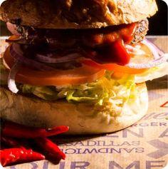Home - Burger´s Bar Wien Burger Bar, Home Burger, Restaurant, Ethnic Recipes, Food, Homemade Beef Burgers, Diner Restaurant, Essen, Eten