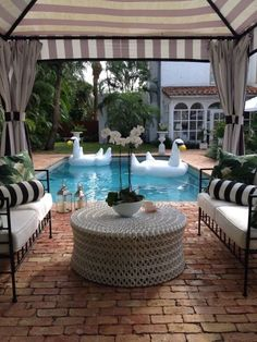 Palm beach chic home for sale. Outdoor Rooms, Outdoor Living, Outdoor Decor, Outdoor Patios, Outdoor Kitchens, Outdoor Seating, Mini Piscina, Home Modern, Modern Living