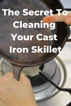 Tips for cleaning a cast iron skillet. The Secret of How to Clean Cast Iron in Four Easy Steps. Want the secret behind how to clean cast iron pans or grates? Learn how easy cleaning cast iron is in four steps, including cleaning cast iron with salt. Deep Cleaning Tips, House Cleaning Tips, Cleaning Solutions, Spring Cleaning, Cleaning Hacks, Cleaning Products, Diy Hacks, The Secret, Homemade Toilet Cleaner