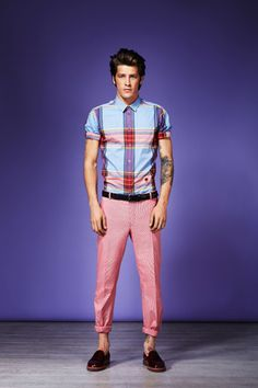 Well fitted and great pattern short sleeve shirt and pink chinos - very summer.